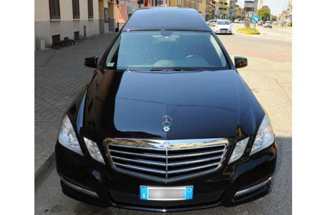 Autofunebre-Mercedes-w212-–-4-porte---Musetto
