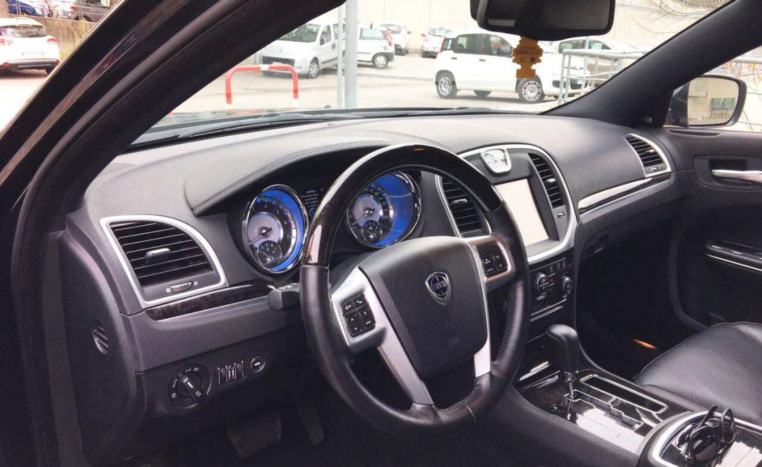 Interno Autofunebre Lancia Thema Usata