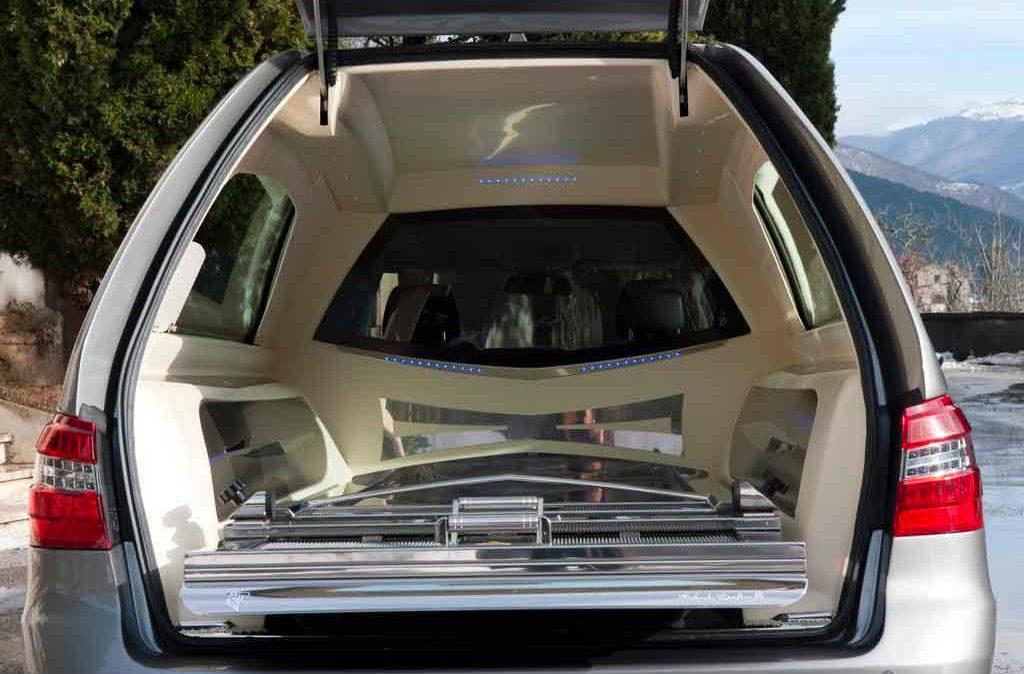 Autofunebre Mercedes classe Roberta Cantinelli - 4